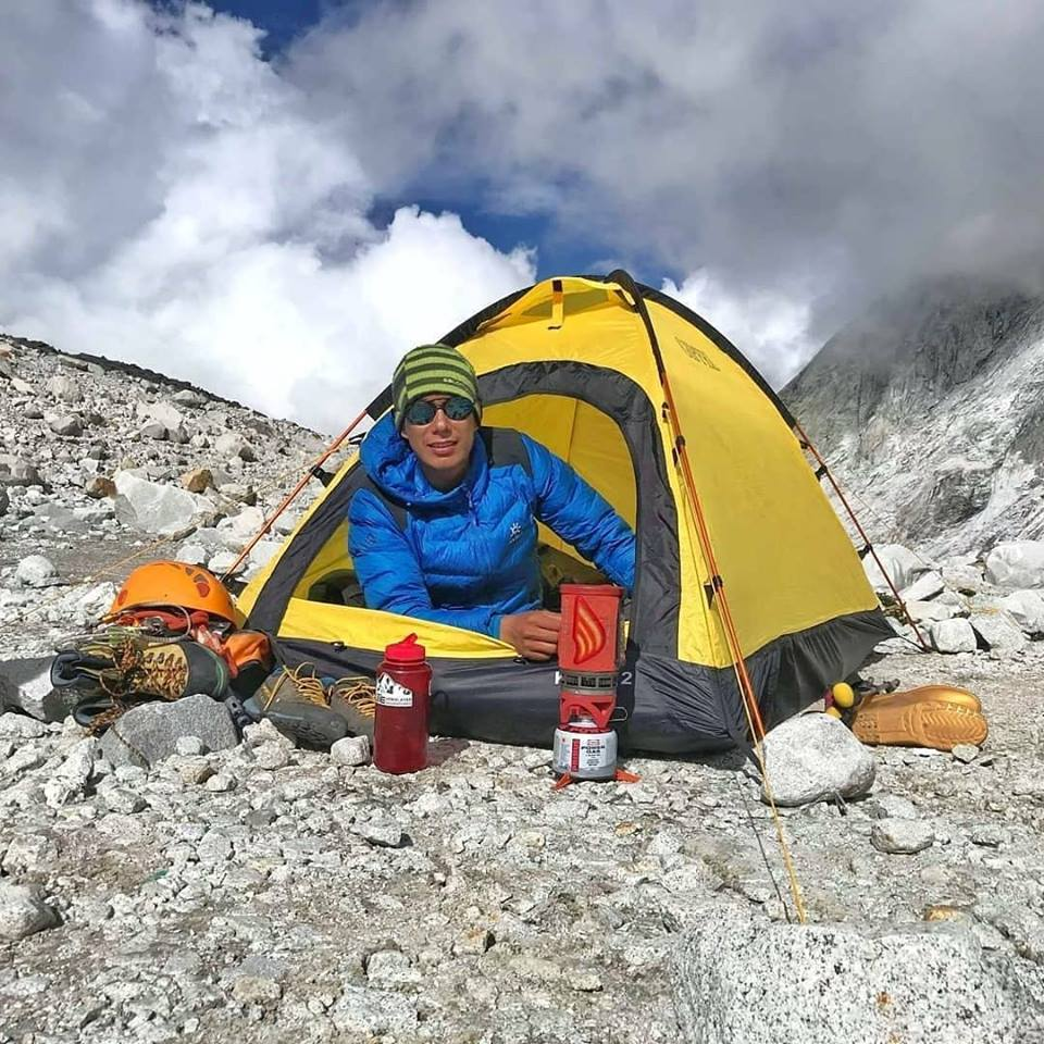 Kyra tent on Mt Makalu