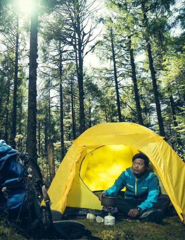 Camping in Gipfel Nubra tent in Himalaya